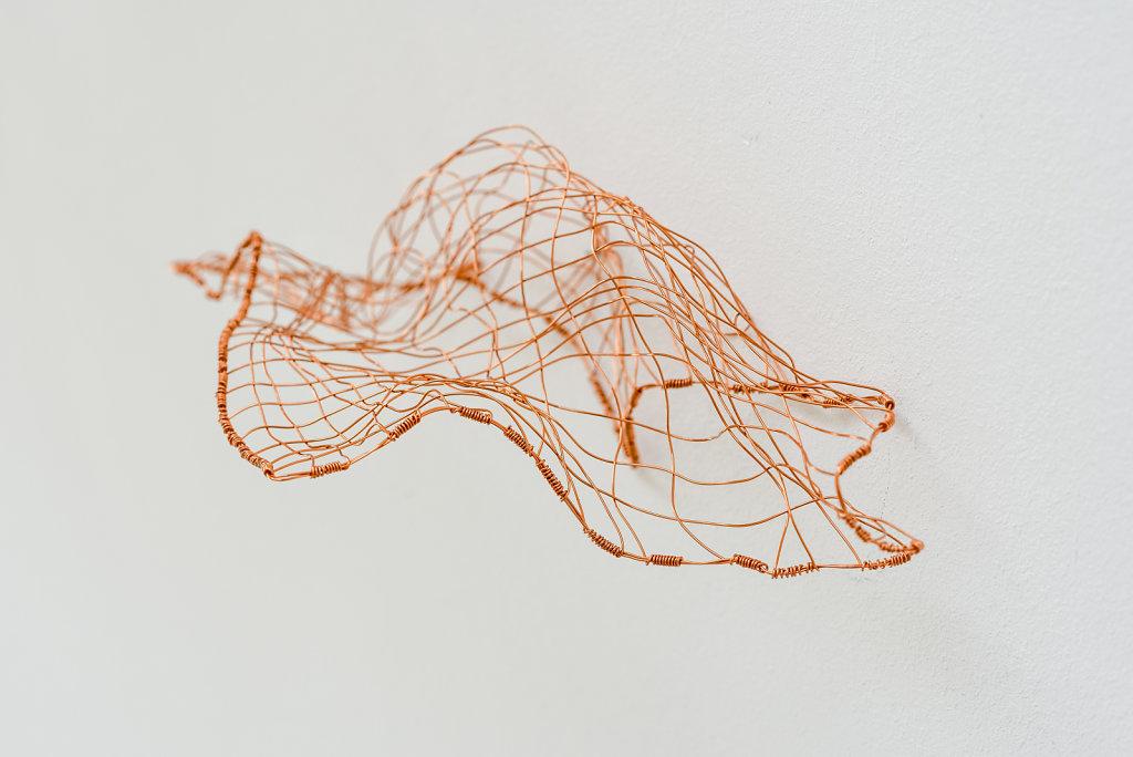 Joanna-Skurska-Flyer-2-10x10x20-cm-copper-wire-2016.jpg